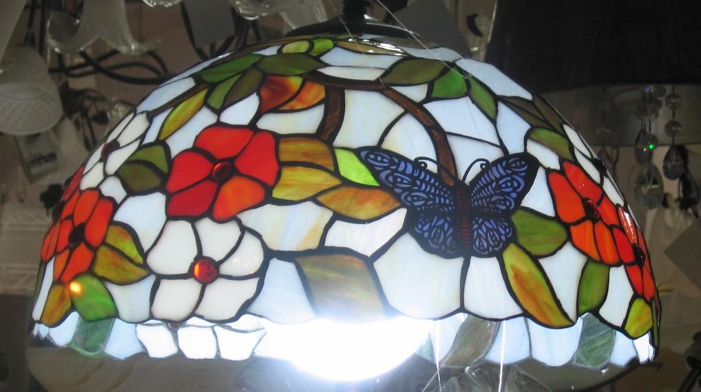 lampadario tiffany : lampadario-tiffany-farfalle-blu-fiori-arancio-acce_G.jpg